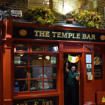 Travel Guide City Trip Dublin Ireland Europe Temple Bar Pub Guinness