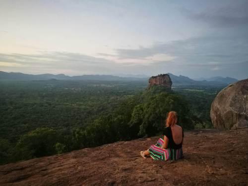 A travel guide to sri lanka sigirya Lion rock head pidurangala rock